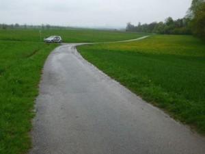 Feldweg Bezgenriet am Flugplatz